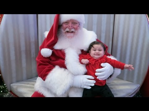 SCARY SANTA FAIL!!! (BABY MEETS SANTA FOR THE FIRST TIME)