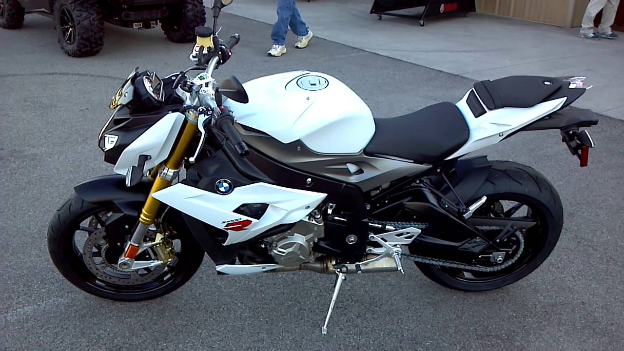 2014 bmw s1000r in white youtube. Black Bedroom Furniture Sets. Home Design Ideas