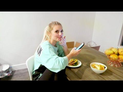 Vigorous client | Secret Diary Of A Call GirlKaynak: YouTube · Süre: 2 dakika8 saniye