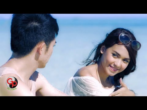 Nicky Tirta & Rini Mentari - Indah Cintaku [Official Music Video]
