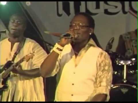 Amarh Pino - Wosisi Anansi (Live)