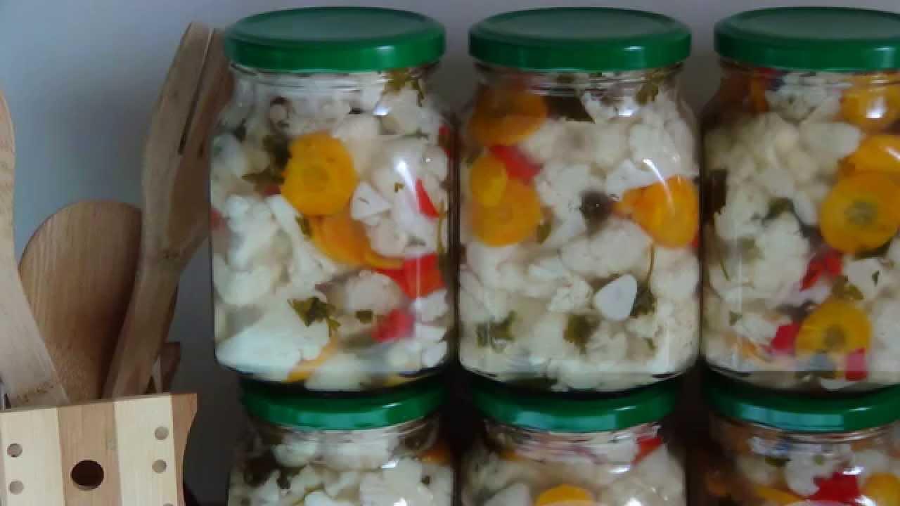 Рецепт засолки огурцов с цветной капустой