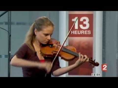 Julia Fischer performs Ysaye Solo sonata 1/4 live on French TV killing a microphone