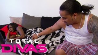 Naomi and Jimmy Uso argue about their relationship: Total Divas, Aug. 4, 2013