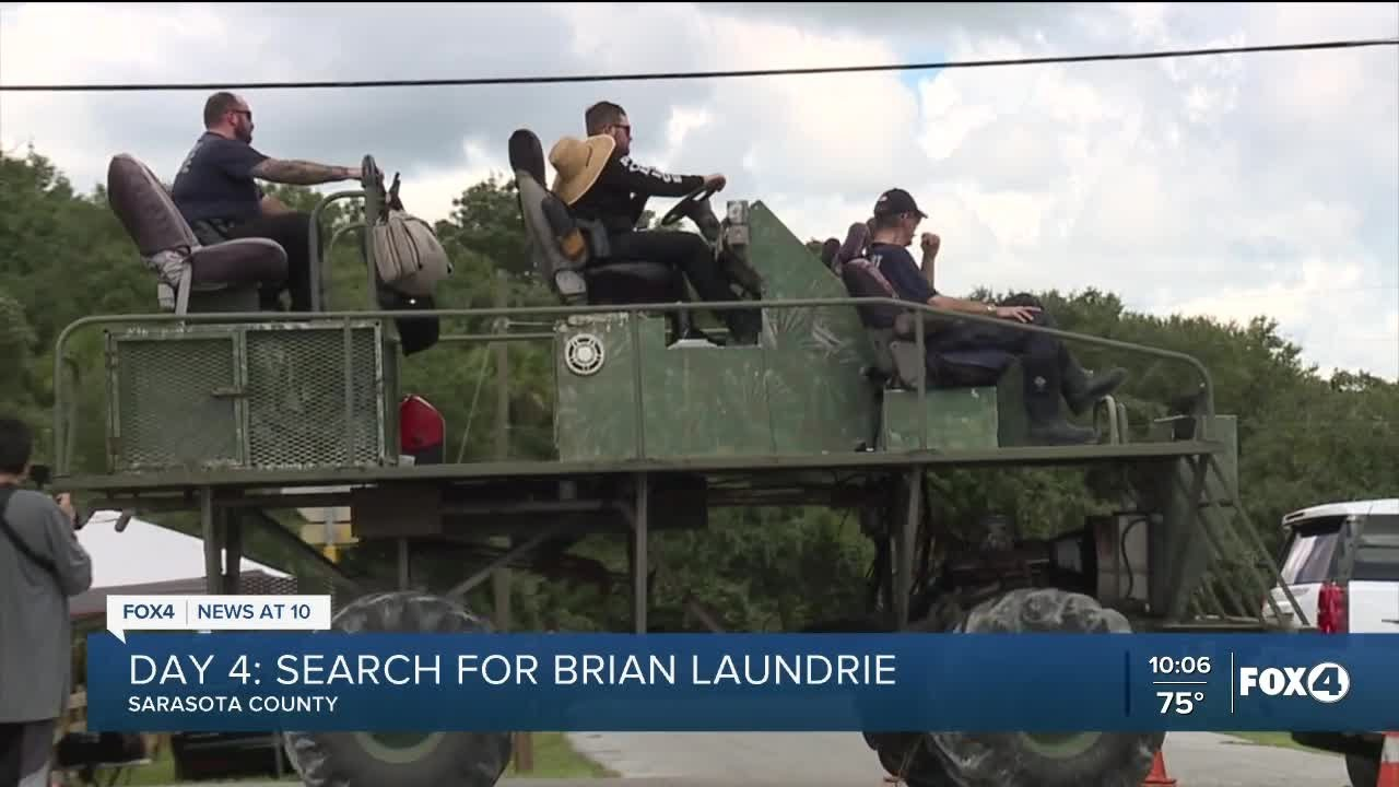 Download Police comb through the Carlton Reserve on Day 4 of the search for Brian Laundrie