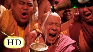Эйс Вентура 2 — Уход Эйса Вентуры из монастыря - эпизоды, цитаты из к/ф (2/15)