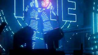 Robot dancer david guetta glasgow 27/4/11