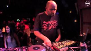 Jumping Back Slash Cape Town Live Set(http://blrrm.tv/capetown-allstars → SUBSCRIBE TO OUR CHANNEL: http://blrrm.tv/YouTube → And go to boilerroom.tv for the best of underground music: videos ..., 2016-05-24T01:50:10.000Z)