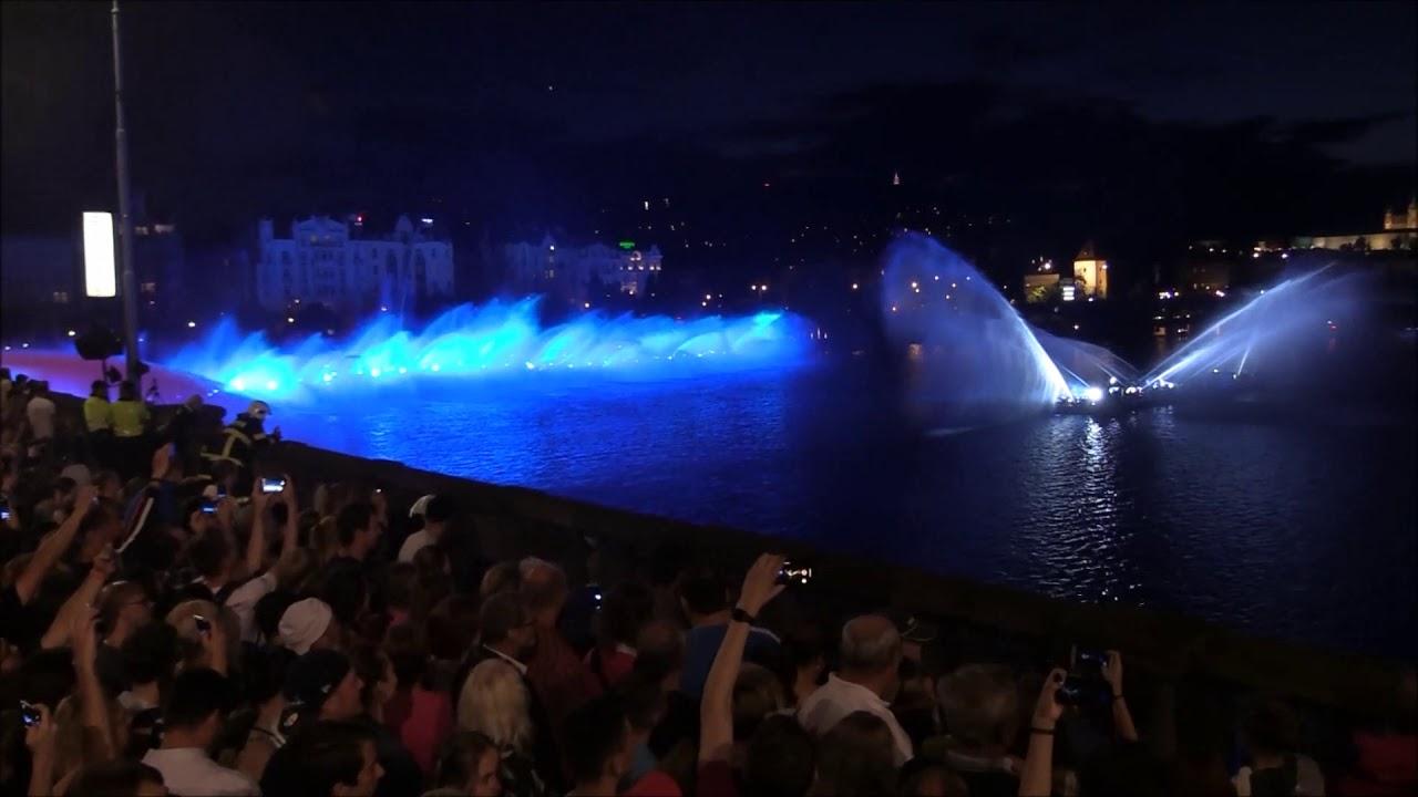 Video Největší hasičská fontána