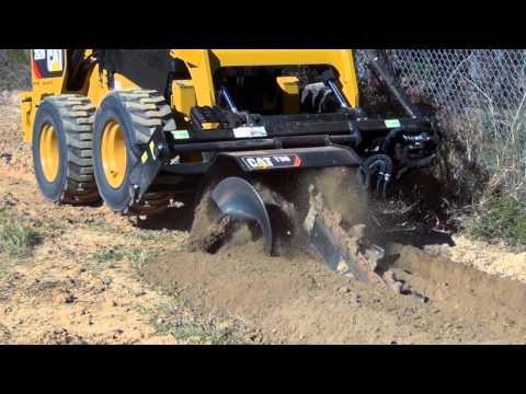 Колесные и гусеничные мини-погрузчики Cat® серии D в работе