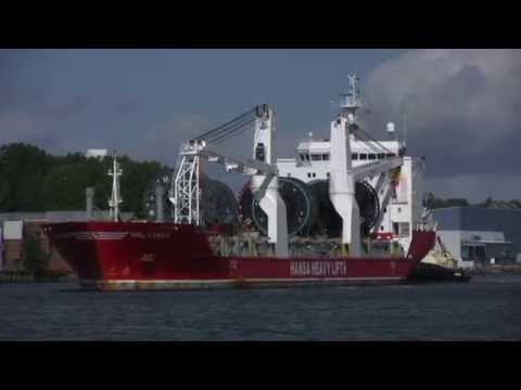 Hansa Heavy Lift Ship HHL Congo arrives on the River Tyne 24th September 2015