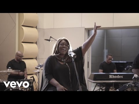 Mandisa - Unfinished (Acoustic)