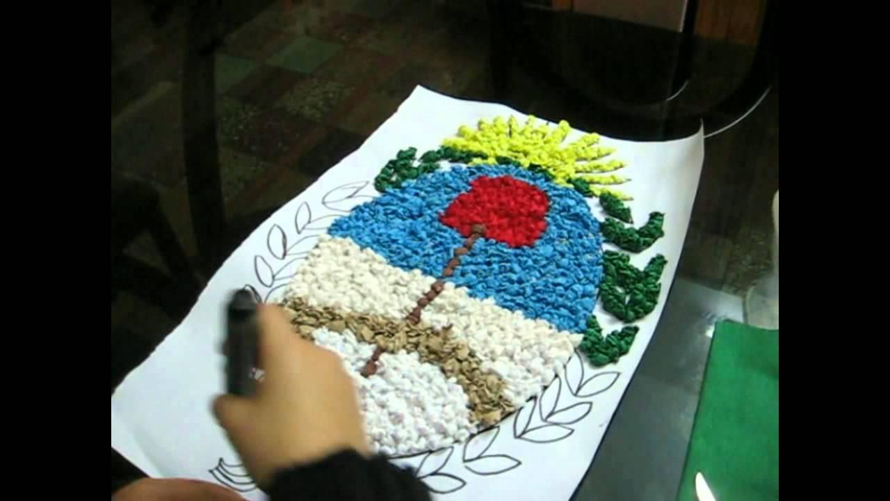 Escudo Nacional El Hecho Con Material ES Reciclables