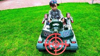 تشتري سينيا وتجمع دبابة جديدة للأطفال
