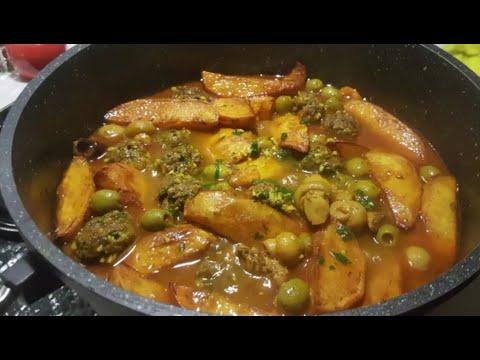 tajine-aux-olives-aux-boulettes-de-viande-et-champignons