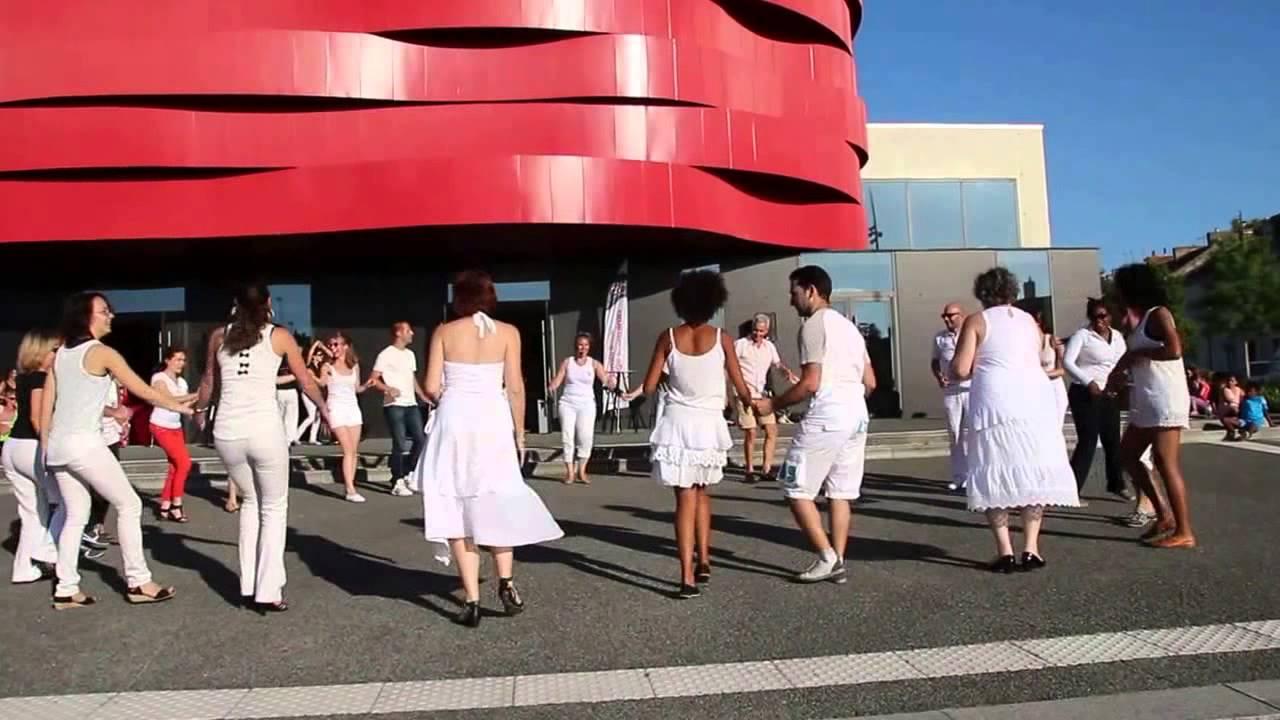 Bressuire festival terre de danses 2015 au th tre for Piscine de bressuire