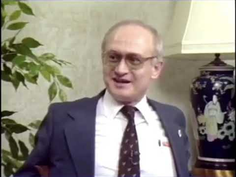 KGB defector Yuri Bezmenov's warning to America (1984)