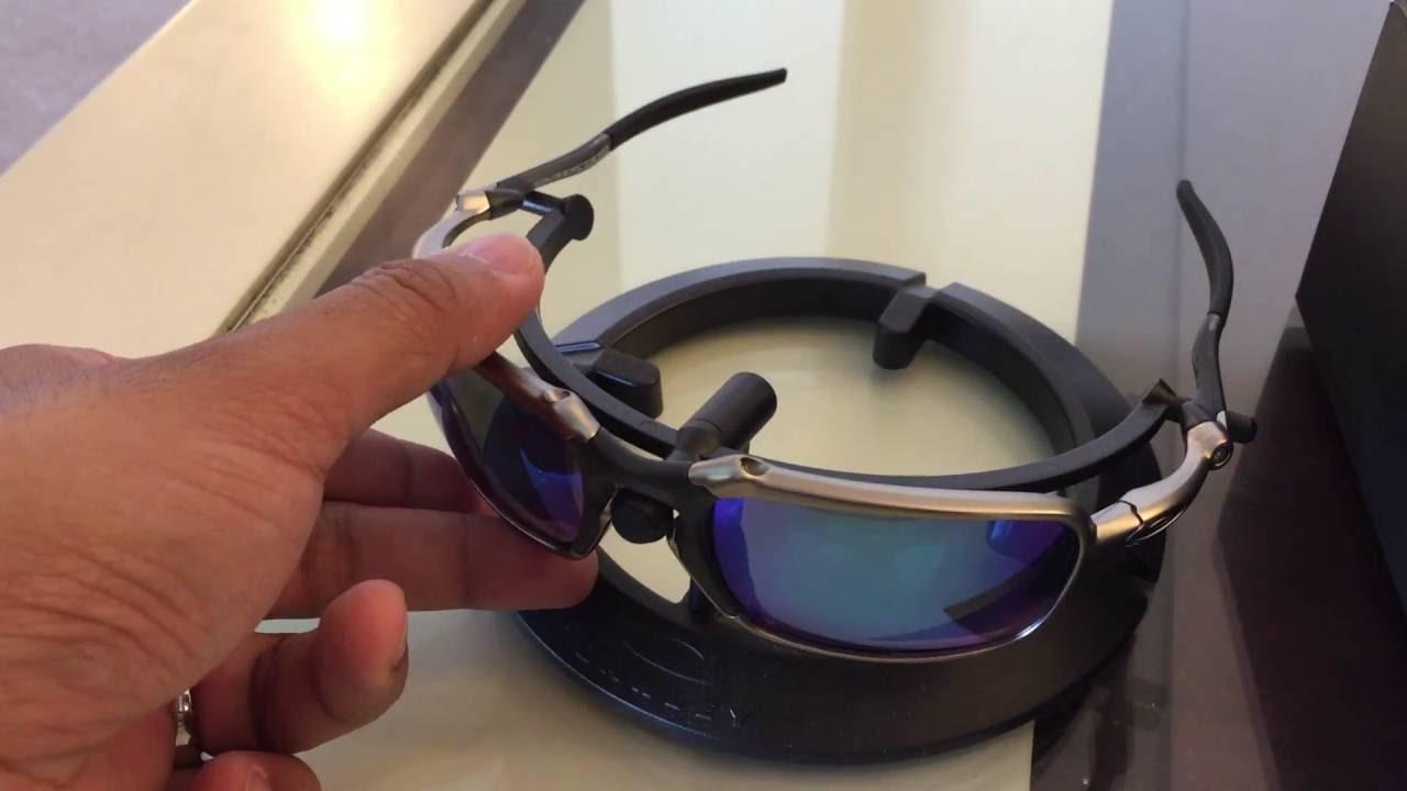 Oakley X - Metal Badman Plasma   Sapphire - YouTube 9a1ad1632b