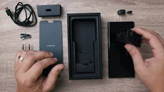 Silently unboxing the Samsung Galaxy Note 10+ Black