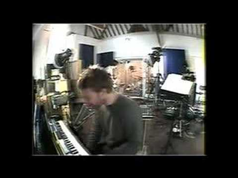 Radiohead -- 'Unravel' (Björk Cover)