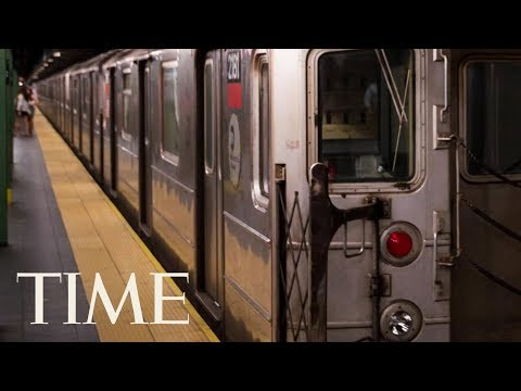 New York City Subway Passengers Panic, Stampede Over Smoke & Flames From Arcing Cable | TIME