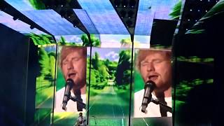 Ed Sheeran - Divide Tour - Castle on the Hill - INTRO - Vienna LIVE
