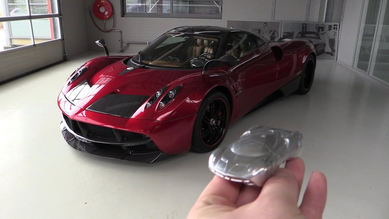 Pagani Huraya >> INSIDE the Pagani Huayra | In Depth Review Interior Exterior SOUND - YouTube