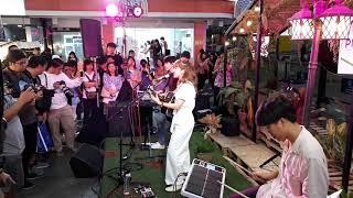 อยากตีกลองใช่มั้ย? Earth Patravee - แค่เราก็พอ (With You) [LIVE] @ Black Village Market Siam Square