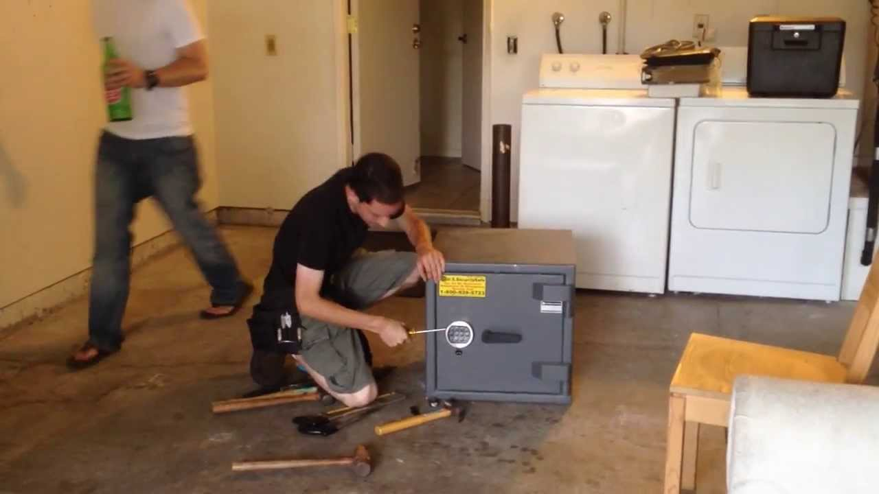 How To Open A 1 000 Dollar Safe In 4 Minutes Youtube