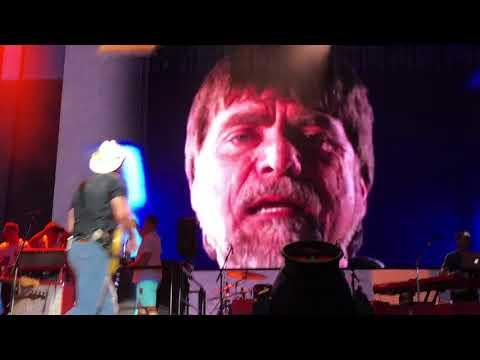 Brad Paisley- Old Alabama live in Spokane mp3