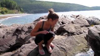 Repeat youtube video Le tour de la Gaspésie, la forêt, la montagne, l'océan. C'est beau le Québec!