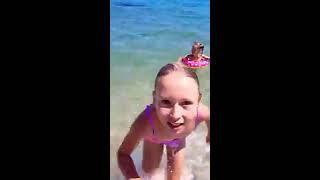 Holidays at the beach)))