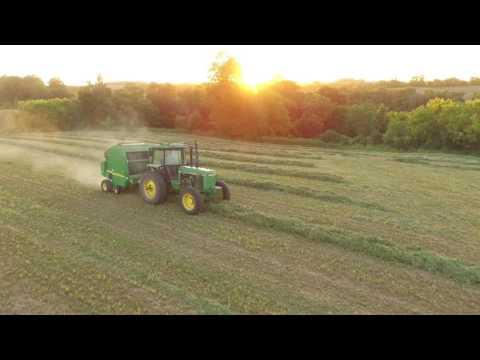 Round Baling 1st Crop! - John Deere 4450 & 567 - YouTube