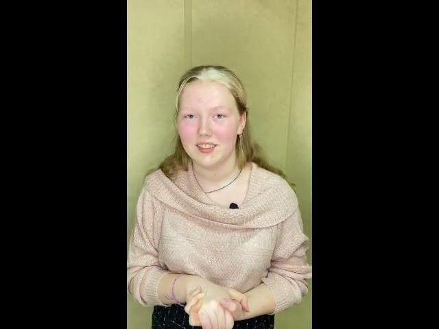 Изображение предпросмотра прочтения – МарианнаСмирнова читает произведение «Письмо к сестре» С.А.Есенина