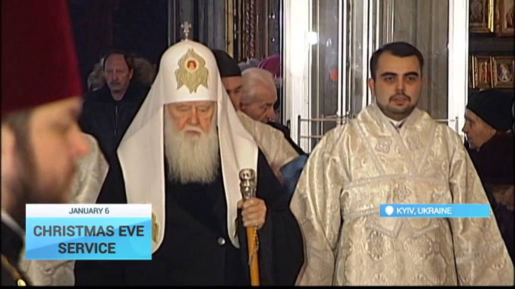 Ukrainians flock to Kyiv's St Volodymyr's cathedral for