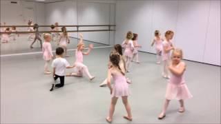 STUDIO 52 DANCE ACADEMY: cours d'initiation à la danse pour 3-6 ans