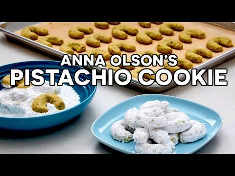 anna-olson's-tasty-pistachio-nut-cookie-(kipfli)-recipe!