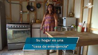 """Alicia Nayeli se quedó sin trabajo y un lugar para vivir debido a la emergencia sanitaria del Covid-19 pero logró vincularse con la organización Techo, una ONG que le prestó dos """"casas de emergencia"""" de madera que se pueden montar fácilmente"""
