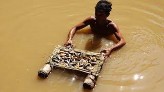 Primitive Culture: Easy Find Mussel (Survival Life in Jungle)