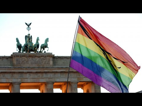 Thumbnail: Merkel supports free vote on same-sex marriage