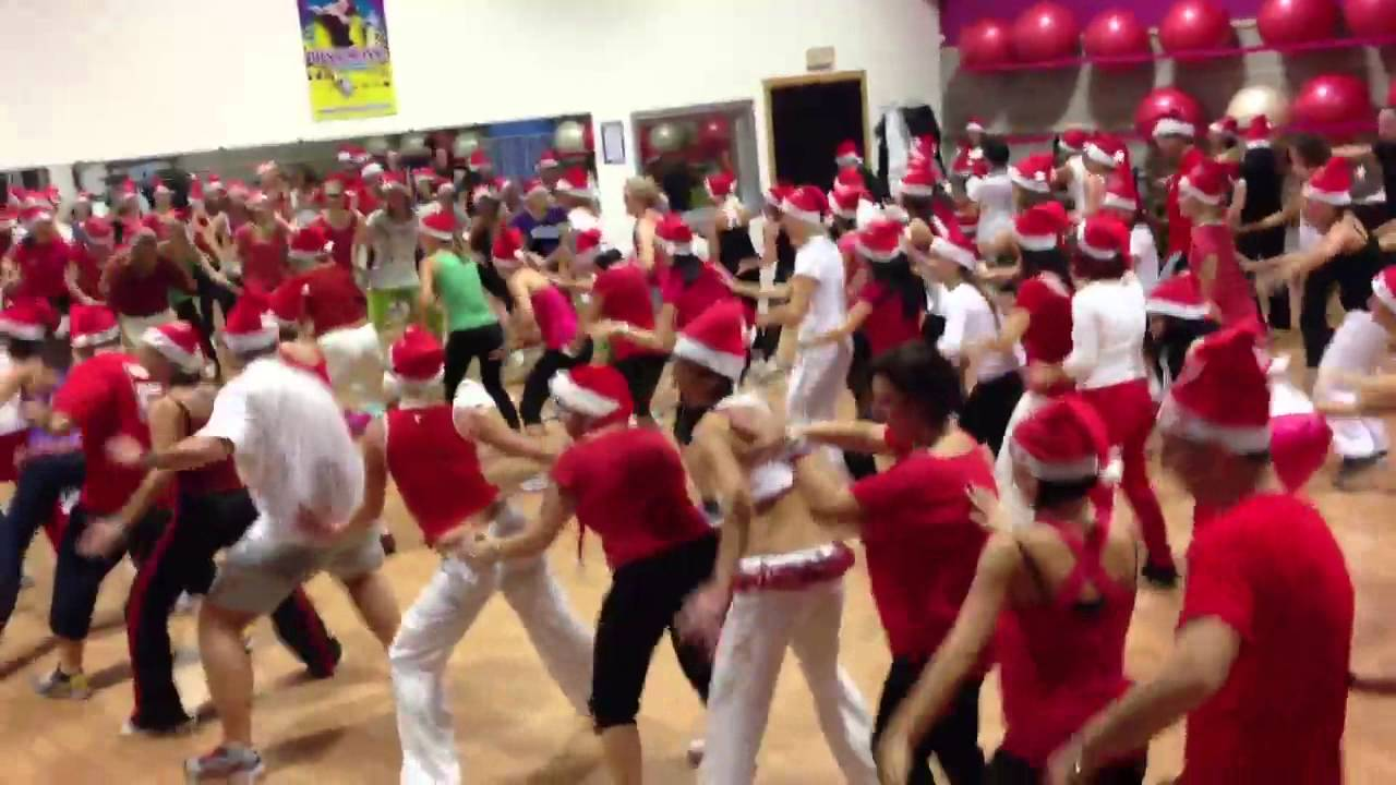 Zumba Christmas Party Images.Reggaeton Fitness Christmas Party Superrrrr
