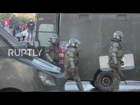 Chile: Water cannons deployed to disperse mass protests in Santiago