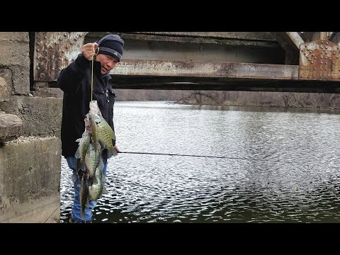 Spring Time Crappie Fishing Under The Old Bridge  EP 11