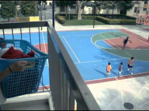 3 storey 3 point basketball shoot -- perfect shot!