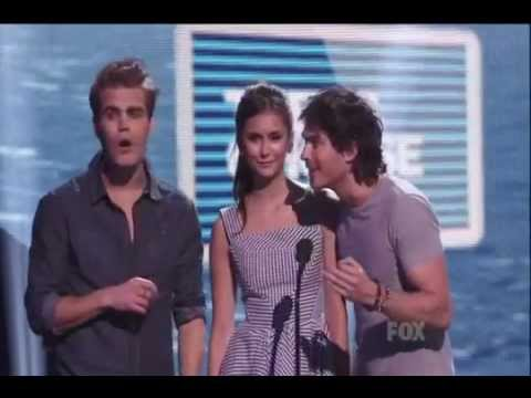 Nina, Paul and Ian Presents at the 2011 Teen Choice Awards (VOSTFR)