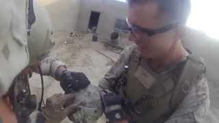 Download Video Militar americano levou um tiro na cabeça de um sniper taliban mas não morreu MP3 3GP MP4