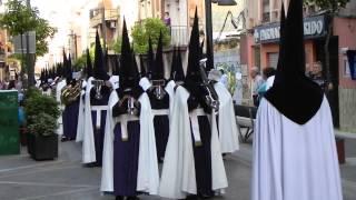 Vídeo: Banda de cabecera interpreta Príncipe de Egipto en calle Tetuán.
