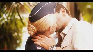 Emma Stone Aloha Kiss Scenes