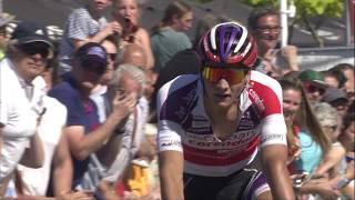 Van der Poel klopt Gilbert en Van Aert na waanzinnige finale (race highlights)