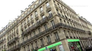 Walk along Rue Saint Lazare in Paris